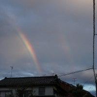 虹・・・主虹・副虹・過剰虹が同時に見られてラッキー!・・・かも。