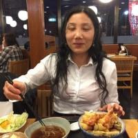 中国の友達と夕食を食べています。美味しいですよ。