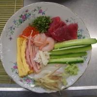 男の料理教室で 巻き寿司を 作った