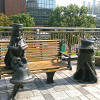 小倉駅前のメーテルと哲郎