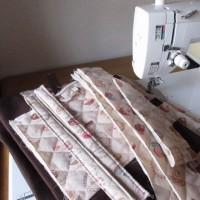 レッスンバッグなど縫っています