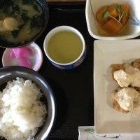 10月15日の日替わり定食550円は チキン南蛮、宮崎風です。