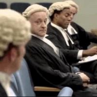 オーストラリア 裁判長 事情