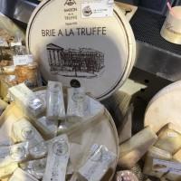 「トリュフ入りブリーチーズ」を堪能