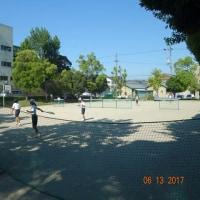 公園でテニス
