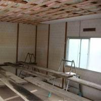 天井と床の張り替え。天井裏は予想以上に○○○だらけ!