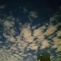 秋の夜空をベランダから--