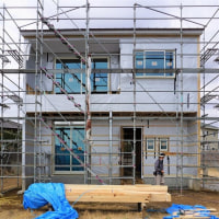 良い家を造って売りたいプロジェクト!大原の当社分譲地『 2Fが Living の家 』。は引き続き大工工事進行中!です。