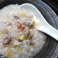 中華粥からのイタ飯リゾット風……粉チーズとトリュフオイルの力