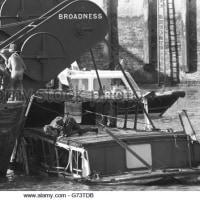 テムズ川でクルーズ船「マーショネス号」が衝突し、転覆・沈没。死者51人。