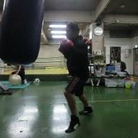 今夜のボクシング (2/24・金曜日) サンドバッグ打ち13Rでガス欠‼ @ おやじボクサー