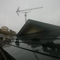 雨にも負けず、風にも負けず、今日もせっせとアンテナ工事