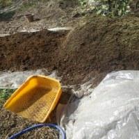 培養土仕上げ、じゃが芋圃場準備
