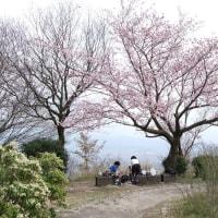 二上山と當麻寺(奈良県)