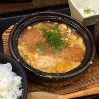 豚ロースカツの卵とじ定食を頂きました。 at 鍛冶屋文蔵 神谷町店