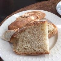生チョコタルトとノイエスのパン