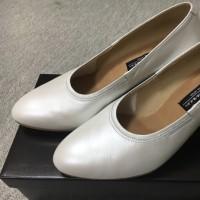クリスマス・デモンストレーションへの道⑲ 白い靴を買う