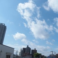 今朝(5月27日)の東京のお天気:晴れ、5月(後半)の作品:花を持つ童子