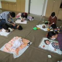 ベビーマッサージ教室(桂台ケアプラザにて)