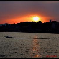 水と夕日のある松江