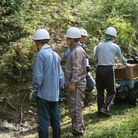 第2回作業 好天に恵まれ実施   池取水口の土砂揚げ・階段作り  2016年10月16日(日)