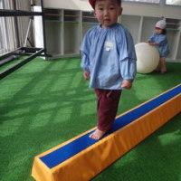 しろ 1歳児 製作☆体育館活動