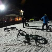 ふっ・・・やっぱり雪の上は「ファットバイク」だよなぁ~