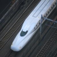 真上からの東海道新幹線
