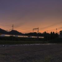 夕暮れの奈良を行く吉野特急/近鉄南大阪線二上神社口駅二上山駅間にて撮影