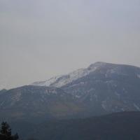 山はまだ冬