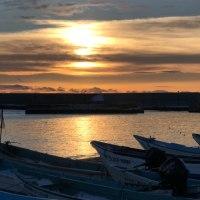 少し早いけど、午後4時えりも漁港からの夕焼け