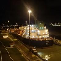 夜のパナマ運河