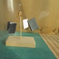 ラジオメーター 太陽光でよく回るように、改造しました!