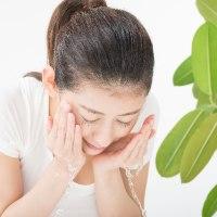 洗顔|乾燥肌トラブルで困惑している方が…。