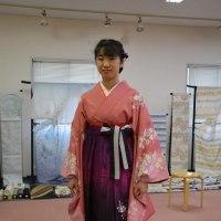 卒業式シーズンです。袴のお着付しました②