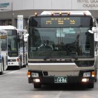 岡山駅頭のバス撮