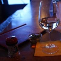 ベルガモのスタートは、一杯の白ワインから…♪