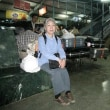「悠久のインド9日間」№74 駅で裸の若い女性が!