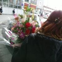 ♪ 学園前で花籠のお伴をし、  晃 ・ ロドニーくんにお会いしている。 …幸せ!