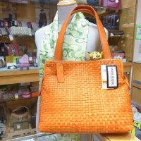 本日は国産ポニーレザーのバッグです(^^♪福岡の質屋ハルマチ原町質店