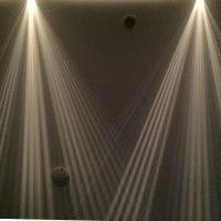 また 天井の光と影