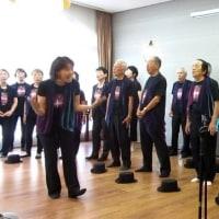 〈コンシェール阿倍野〉で平均年齢74歳の歌声を響かせました