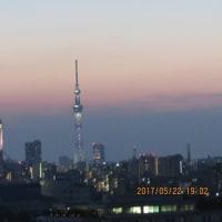 東京スカイツリーが5周年記念のライティング 幟(のぼり)です。