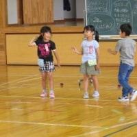 6月28日(水)全校児童を動かす「ちびっ子たち」