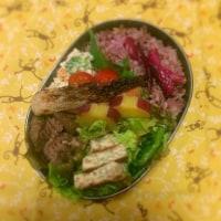 焼き鮭&ごぼうと牛肉の甘辛炒め弁当♪