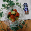 きゅうりとトマトの簡単漬け物 に あらびきチリペパー