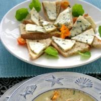 ムール貝の入った菊芋とポロ葱のポタージュ