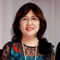 衣装も化粧も、教養なんです。佐藤陸ユネスコ大使の更迭を求めます。