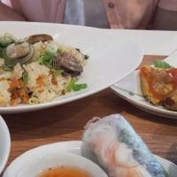 昼食はベトナムで
