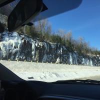 岩の壁の氷
